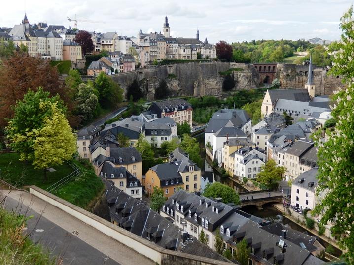 luxembourg 34 urlop na etacie
