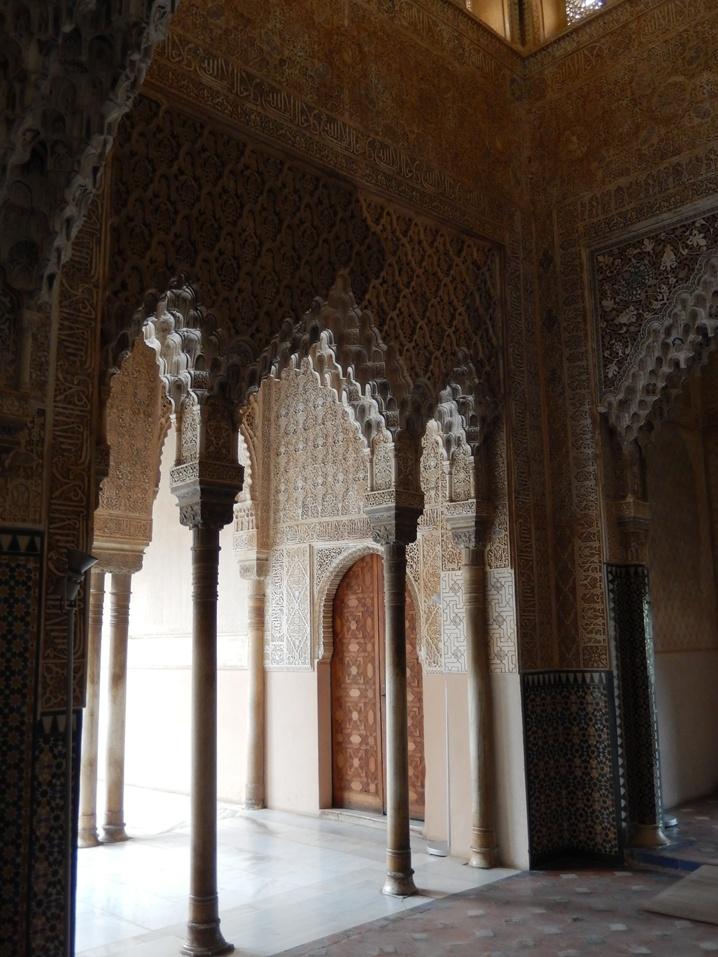 alhambra 24 urlop na etacie