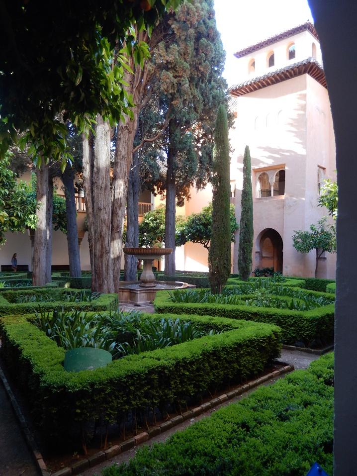 alhambra 6 urlop na etacie