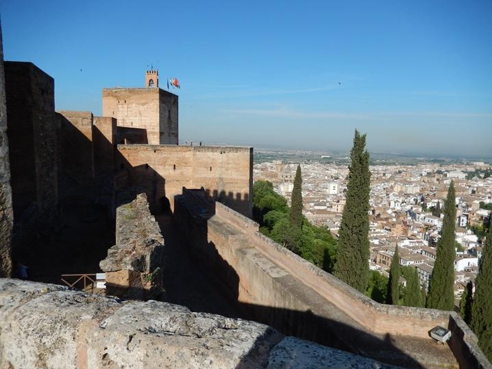 alhambra 7 urlop na etacie