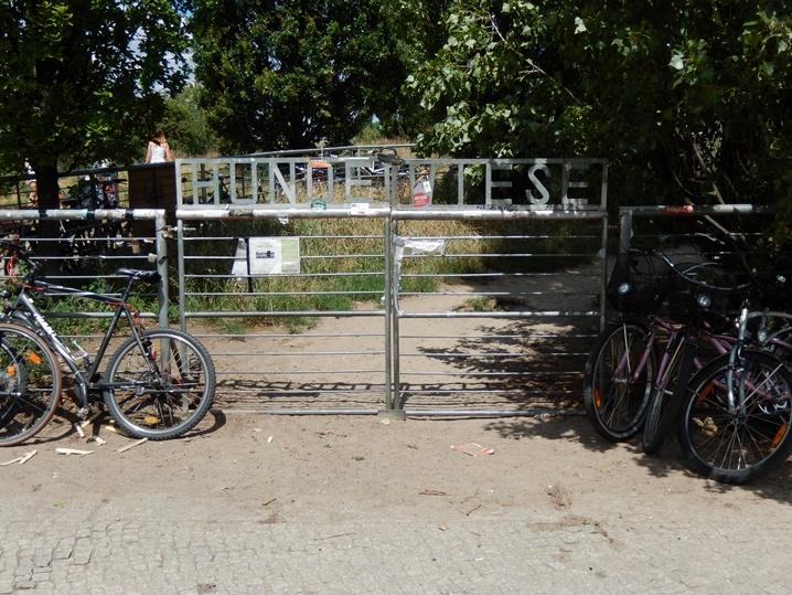 Am Mauerpark fleamarket