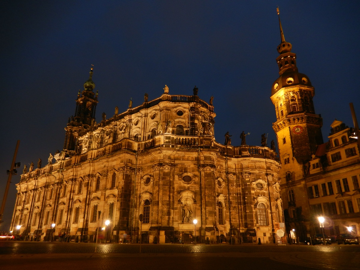 Dresden by night