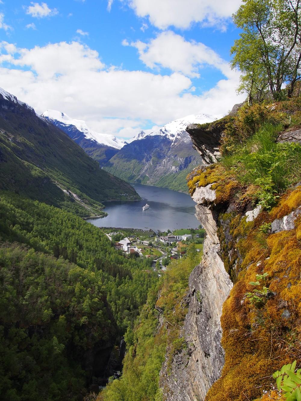 Fiord Geiranger w maju