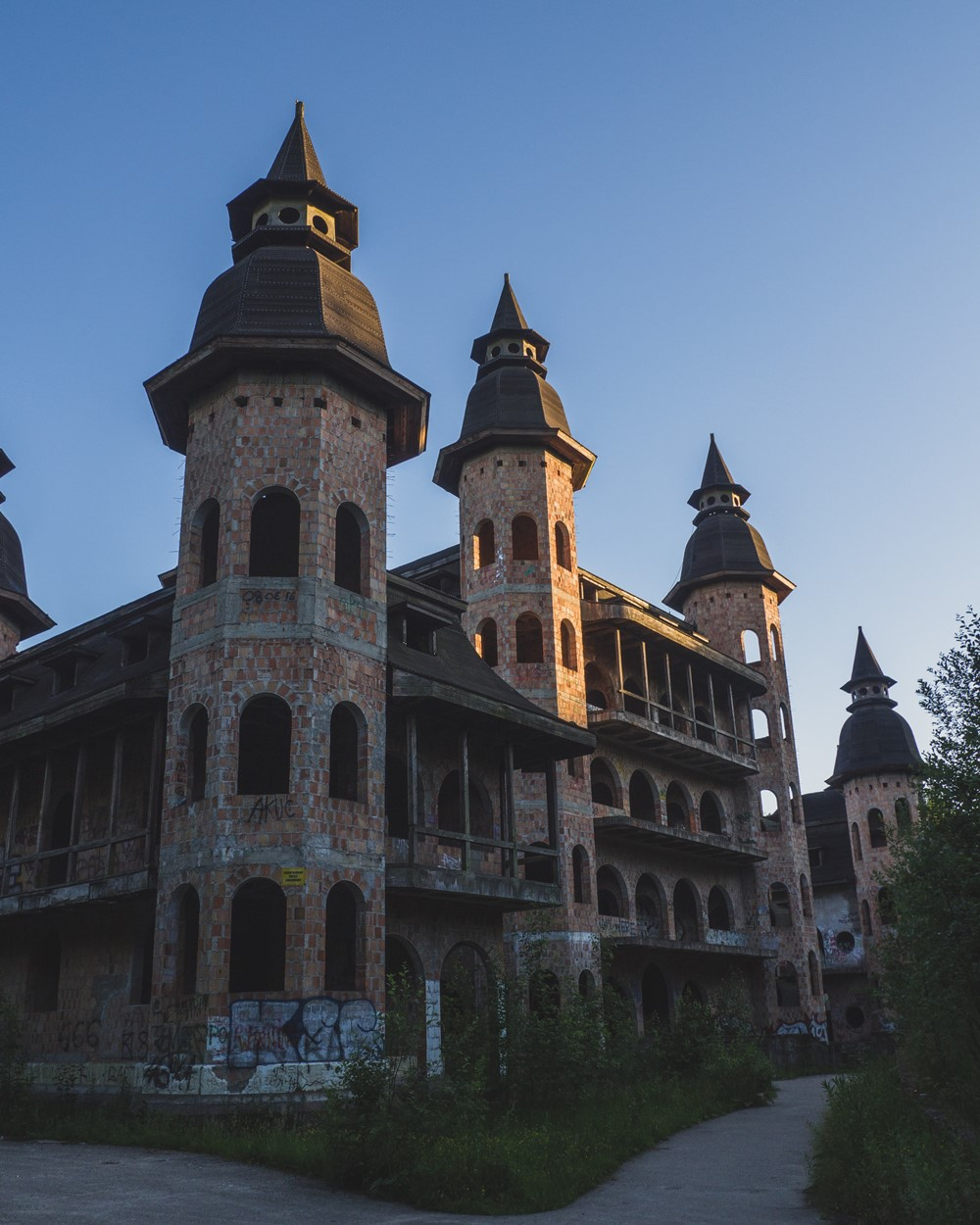 zamek w łapalicach weekend na kaszubach